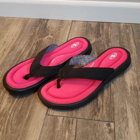 Athletic Works Memory Foam Flip Flops